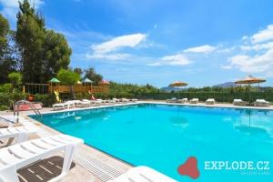 Bazén hotelu Aelia Resort