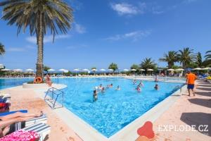 Bazén hotelu Cathrin