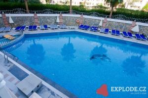 Bazén Side Royal Paradise