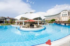 Bazén a hotel