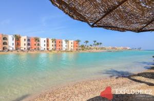 Pláž u hotelu Arabia Azur