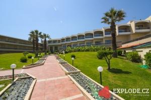 Areál hotelu Lutania Beach