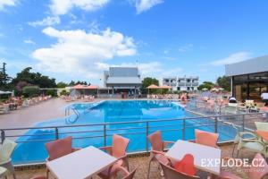 Bazén hotelu Evi