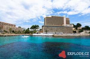 Moře a hotely