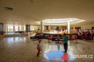 Hala hotelu Miramar Petit Palace