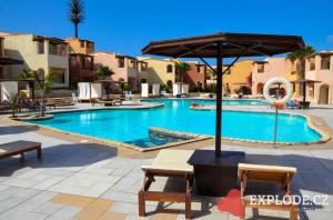 Druhý bazén hotelu Royal Decameron Boa Vista