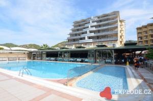 Bazén hotelu Doganay Beach