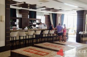 Bar hotelu Kirman Leodikya
