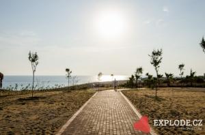 Cesta k pláži