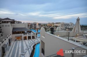 Střecha hotelu