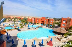 Bazény hotelu Oriental Bay Resort Aurora