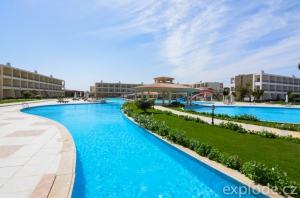 Areál hotelu Zee Brayka Lagoon