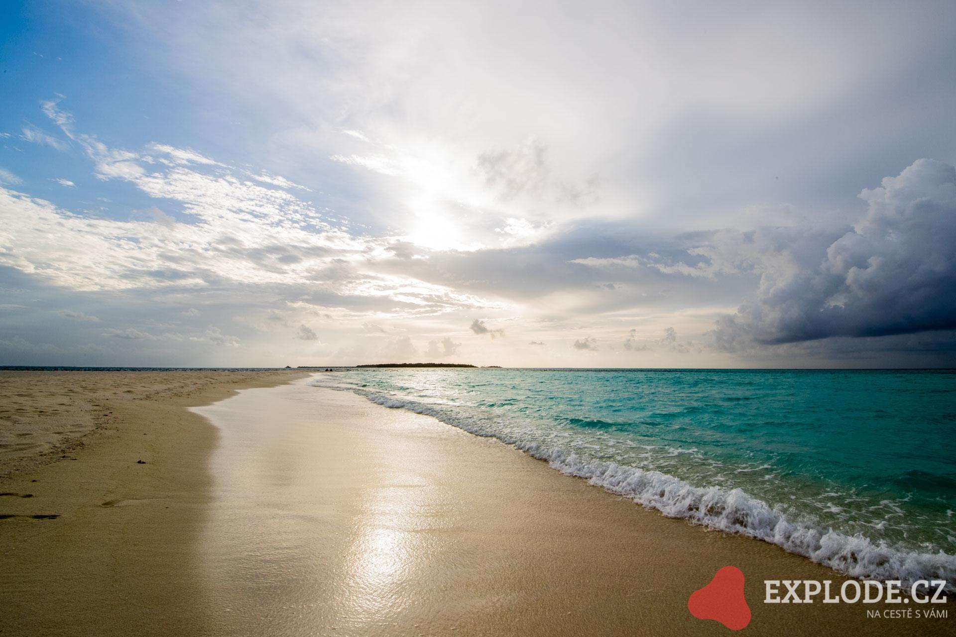 Písečné pláže na Maledivách