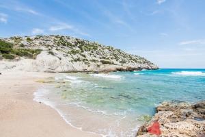 Pláž Cala Barques