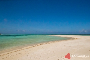Pláž na ostrově Bodufinolhu - Fun Island Resort