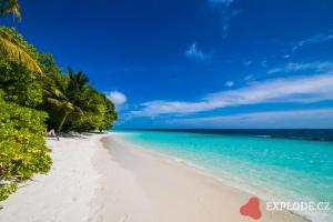 Pláž na ostrově Kihaadhuffaru - Kihaad Maldives