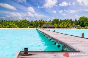 Pláž na ostrově Dhiffushi - Holiday Island Resort